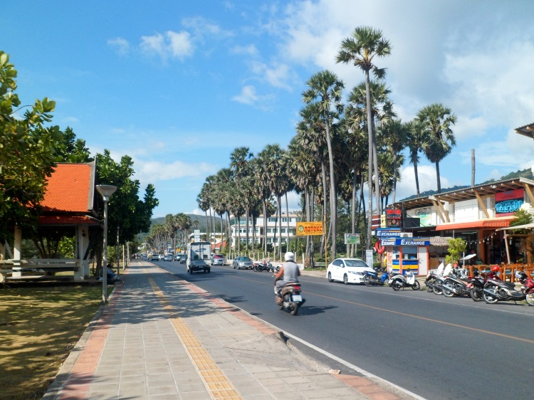 phuket-beach-road-thailand