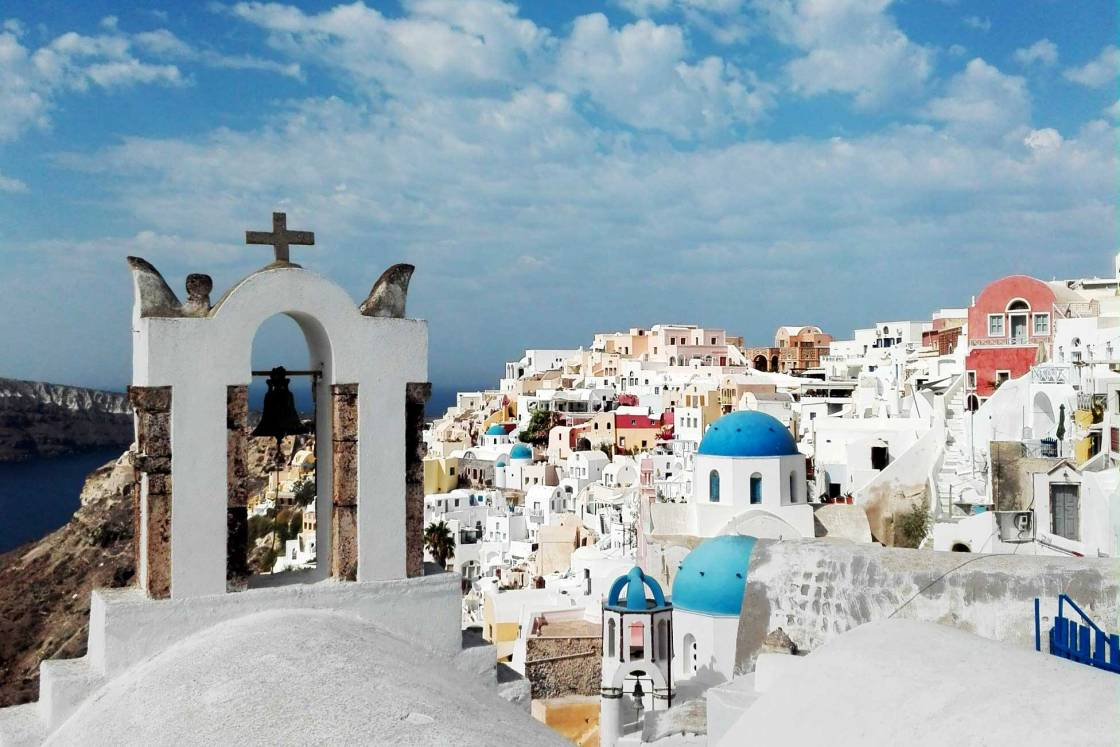 blue-domes-of-oia-town