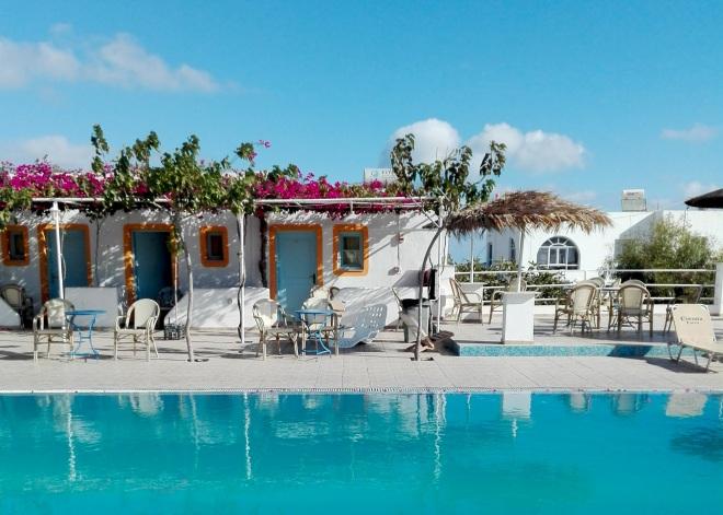santorini-camping-pool