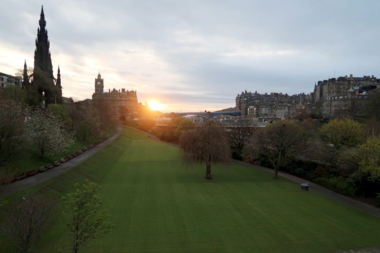 Sunrise in Edinburgh