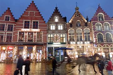 brugge-market-night