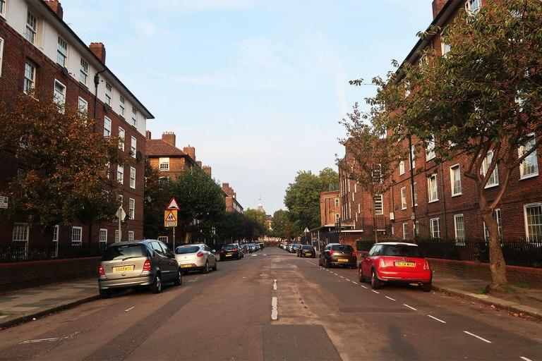 lonely-london-neighbourhood