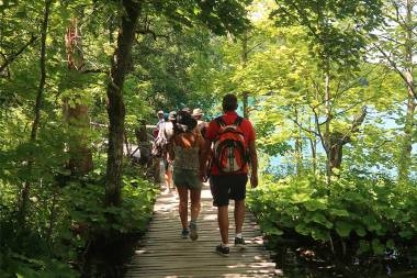 plitvice-lakes-boardwalks