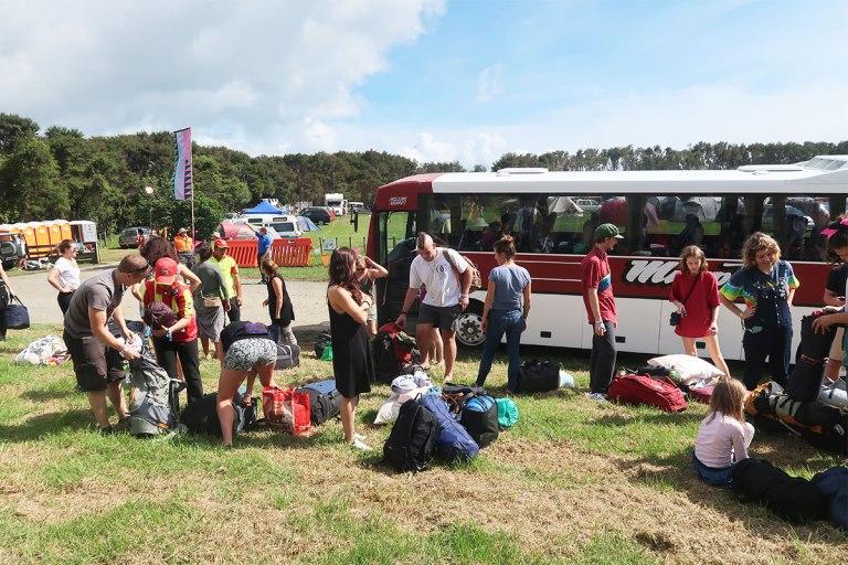 bus-arriving-at-splore