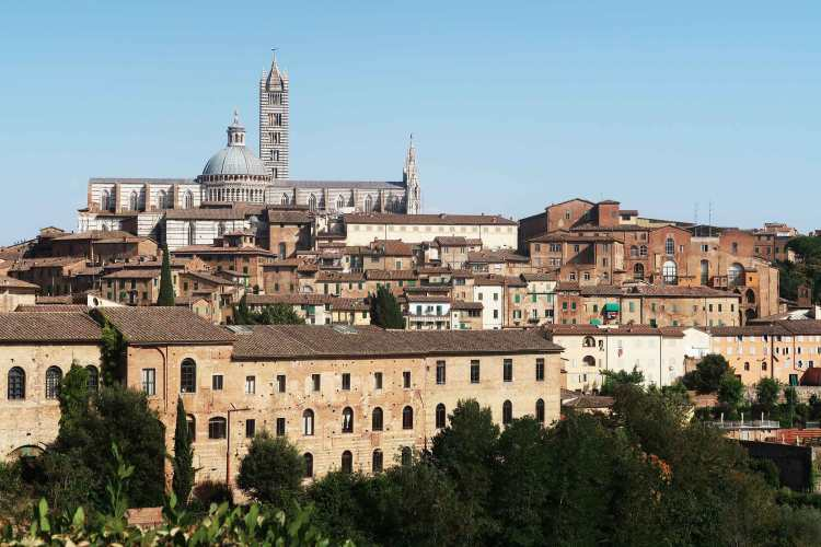 siena-cathedral-from-outside-old-town