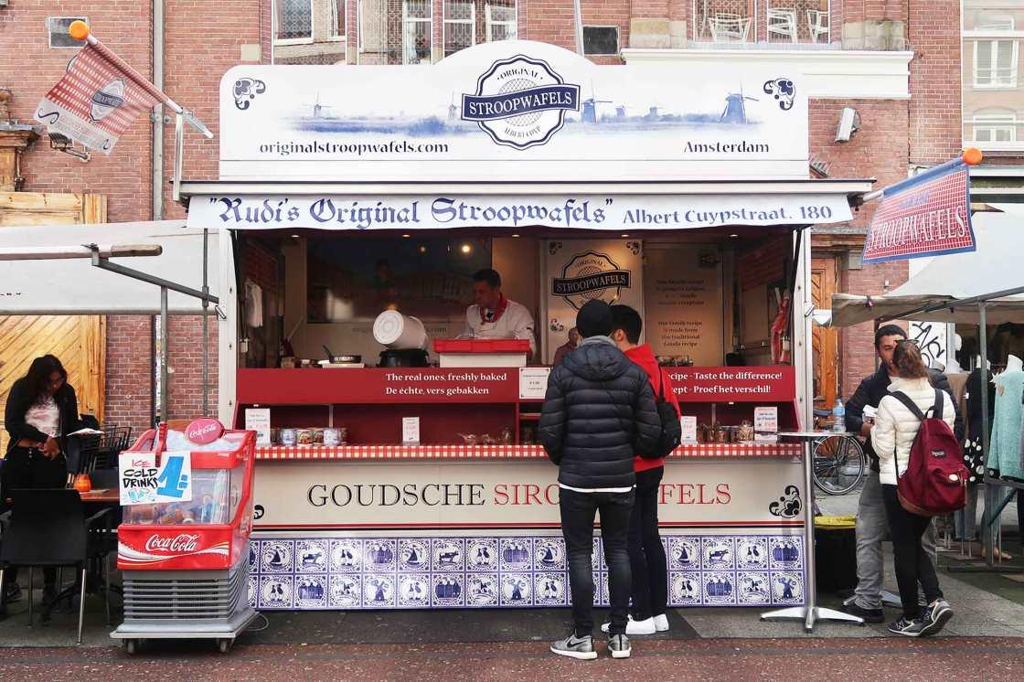 albert-cuypstraat-amsterdam-stroopwafels