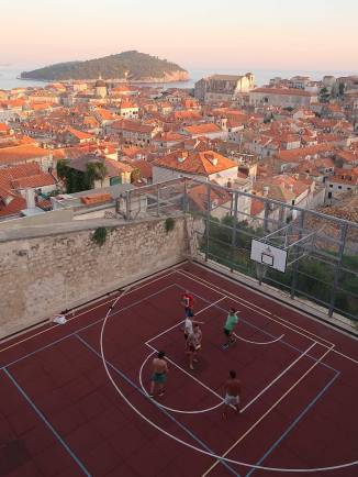 basketball-in-the-walls
