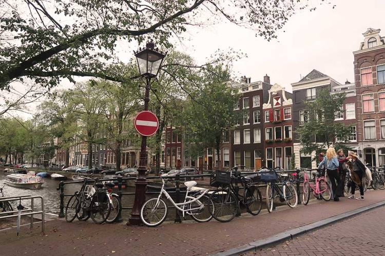 bikes-and-canals