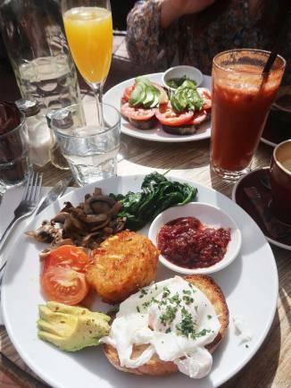 plum-cafe-vege-breakfast