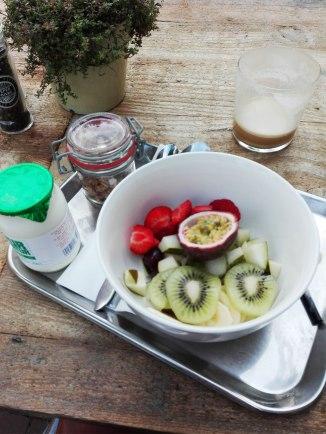 vinnies-fruit-and-yoghurt